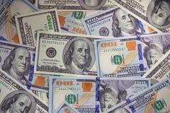 Bakgrund av moderna 100 räkningar för en dollar Bunt av hundra dollar Royaltyfri Bild