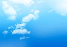 Bakgrund av molnig blå himmel Royaltyfria Bilder