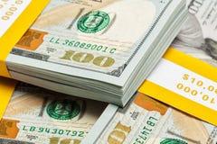 Bakgrund av nya 100 US dollar 2013 räkningar Fotografering för Bildbyråer