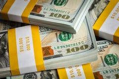 Bakgrund av nya 100 US dollar 2013 sedlar Royaltyfri Foto