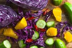 Bakgrund av olika grönsaker och fruktnärbilden fotografering för bildbyråer