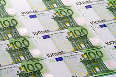 Bakgrund av sedlar 100 euro Arkivfoto