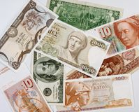 Bakgrund av sedlar från olika länder royaltyfria bilder