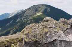 Bakgrund av stenen naturlig sten Berg Royaltyfri Foto