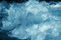 Bakgrund av stormigt blått vatten Fotografering för Bildbyråer