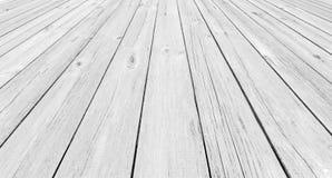 Bakgrund av träplankor i perspektiv Arkivfoton