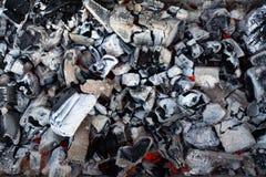 Bakgrund av varma kol arkivbilder