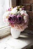 Bakgrund består det av olika blommor Royaltyfri Foto
