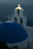 bakgrund blured vulkan för sikten för shipen för santorinien för ön för bougainvilleakryssning den grekiska Royaltyfria Bilder