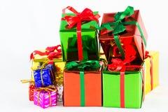 bakgrund boxes gåvawhite Arkivbilder