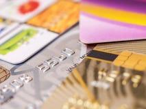 bakgrund cards den små djupa fokusen för kreditering arkivbilder