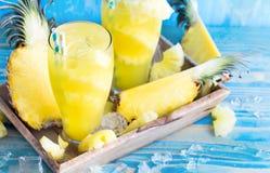 Bakgrund för ananasfruktsaft Arkivbilder