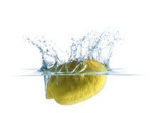 Bakgrund för citronvattenfärgstänk Arkivfoto