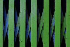 Bakgrund för dörr för gräsplanstålglidning royaltyfri bild