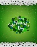 Bakgrund för dagen för StPatrick ` s, designbeståndsdel med bokstäver på grön växt av släktet Trifolium, skyler över brister stil Royaltyfri Foto
