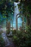 Bakgrund för djungelvalvgångfantasi Arkivbilder