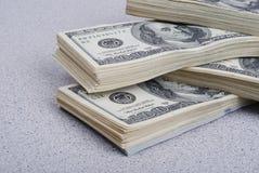 Bakgrund för dollarsedelpengar Arkivfoto