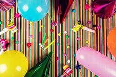 Bakgrund för födelsedagparti Top beskådar arkivbild