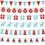 Bakgrund för glad jul med xmas-bunting sjunker, bollar, gåvaaskar, renar, klockor, den santa hatten Ljusa julgirlander seger vektor illustrationer