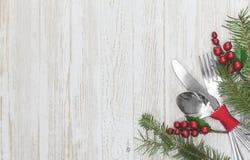 Bakgrund för inställning för julmåltabell Royaltyfria Bilder