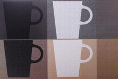 Bakgrund för kaffekoppar Bästa sikt av detaljer av utskrivaven kaffecu arkivfoto