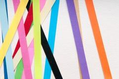 Bakgrund för konstpapper med färgglade band Royaltyfria Bilder