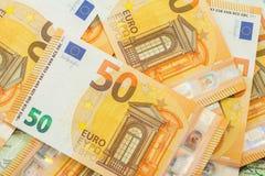 Bakgrund för många 50 eurosedlar Royaltyfri Fotografi