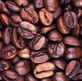 Bakgrund för makro för kaffebönor Royaltyfria Foton