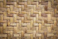 Bakgrund för modell för textur för bambuvävträ arkivbilder