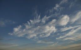 Bakgrund för molnig himmel eller utbyteshimmel i photoshop arkivfoto