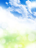 Bakgrund för naturlig vår med strålar Arkivbild