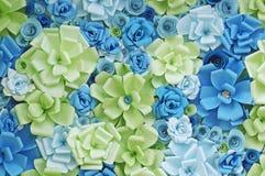Bakgrund för pappers- blommor Arkivfoton