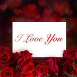Bakgrund för röda rosor för valentin Arkivbilder