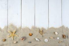 Bakgrund för sommarferier med ett utrymme för annonsering Fotografering för Bildbyråer