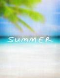 Bakgrund för sommartappningkort Arkivfoton
