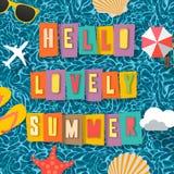 Bakgrund för sommartid, bästa sikt på sammansättning med solexponeringsglas, sjöstjärna, snäckskal, paraply, flipmisslyckande på  Royaltyfri Fotografi