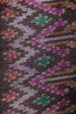 Bakgrund för textur för modell för rät maska för siden- tyg för siden- modell thailändsk sömlös Arkivfoton