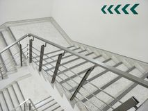 Bakgrund för trappa för brandflykt Royaltyfria Foton