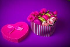 Bakgrund för valentinmorsa dagen easter med förälskelse Arkivbild