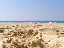 Bakgrund för vatten för sommarstrandsand Royaltyfri Fotografi