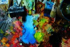 bakgrund isolerad paintbrushpalettwhite royaltyfri foto