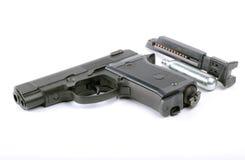 bakgrund isolerad pneumatisk white för pistol Royaltyfria Bilder