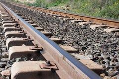 Bakgrund Järnväg linne Stänger och längsgående stödbjälke Royaltyfri Foto