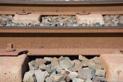 Bakgrund Järnväg linne Stänger och längsgående stödbjälke Royaltyfri Bild