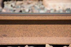 Bakgrund Järnväg linne Stänger och längsgående stödbjälke Royaltyfria Bilder