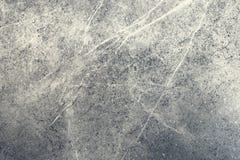 Bakgrund marmorerar mörkt - den gråa stenen Texturera naturligt marmorerar ljusfärg Tegelplatta i badrummet eller köket royaltyfria bilder