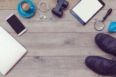 Bakgrund med nödvändigt objekt för manaffärsföretag ovanför sikt Arkivfoto