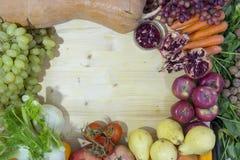 Bakgrund med oktober grönsaksammansättning fotografering för bildbyråer