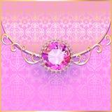 Bakgrund med rosa ädelstenar och guldprydnader Royaltyfri Foto