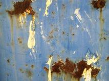 Bakgrund med strukturen och textur av den gamla metallväggen arkivfoton